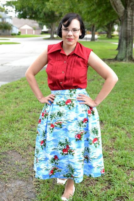 The End of Summer   The Girl with the Star-Spangled Heart: The End of Summer Butterick 6309 1950s tropical skirt