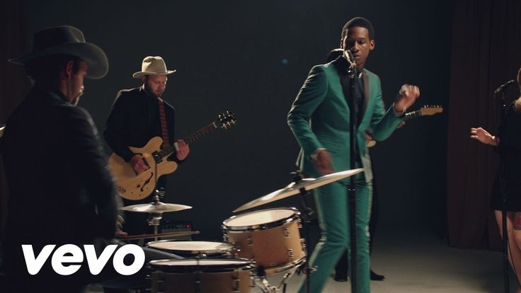 """Smooth Sailin'"""" taken from Leon Bridges' new album 'Coming Home' – available now. Get it on iTunes: http://smarturl.it/ComingHomeiT Stream it on Spotify: htt..."""