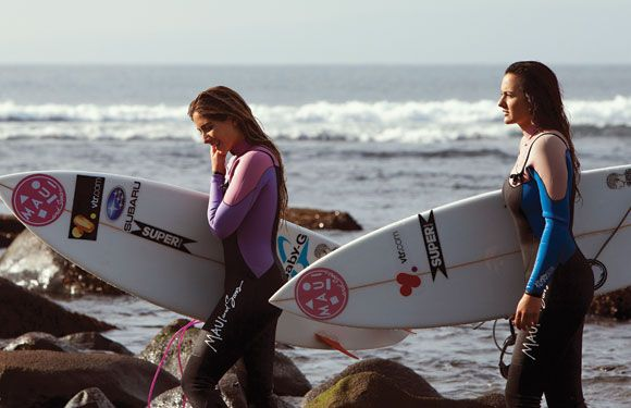 Surf Pichilemu Trini y Janelle surf riders #mauiwoman
