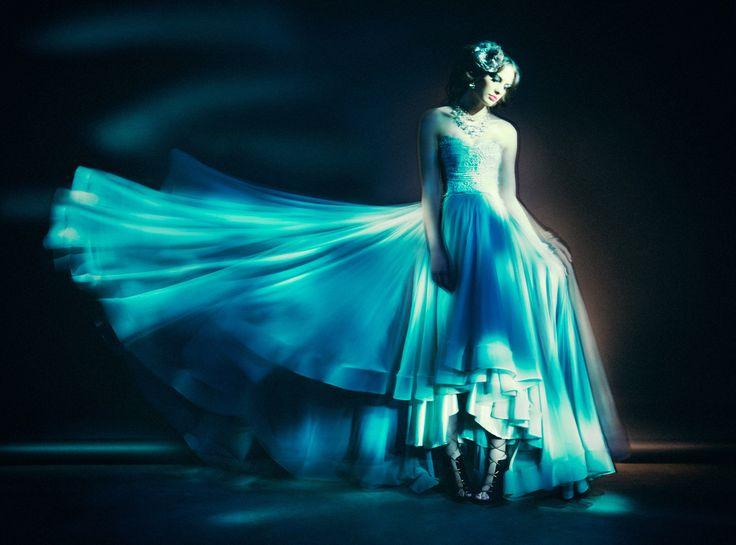 Styling: Ariane Furguson Mua: Lindsay Nixon Model: Kayla M - Models Int. Garment: Francois Vedemme Photo: JoNo