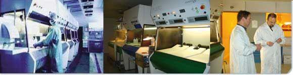 Opération de Glassmastering dans notre usine de fabrication de CD-DVD - Réalisation de la matrice de pressage des disques.