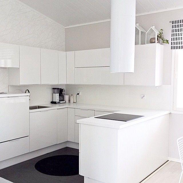 Valkoinen Puustelli keittiö  kök  Kitchen  Pinterest  Keittiö,Olohuone ja