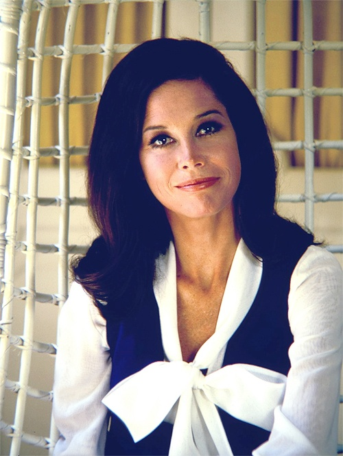 Mary Tyler Moore photographed in her Beverly Hills home by Bob Willoughby, 1970