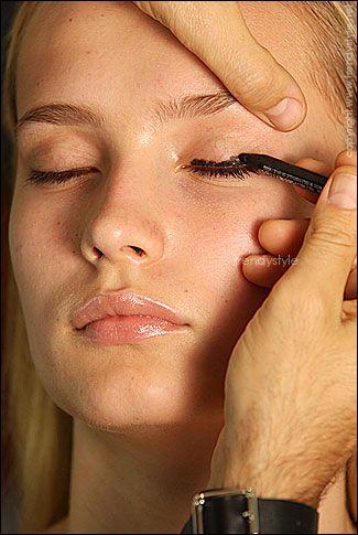 Stap 1: zwart oogpotlood