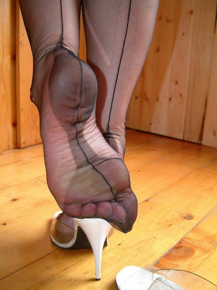 Nylon Feets 45