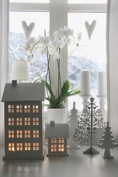 Winter decorating ideas, great for Candle Impressions Flameless Candles... this would be perfect for a small space especially