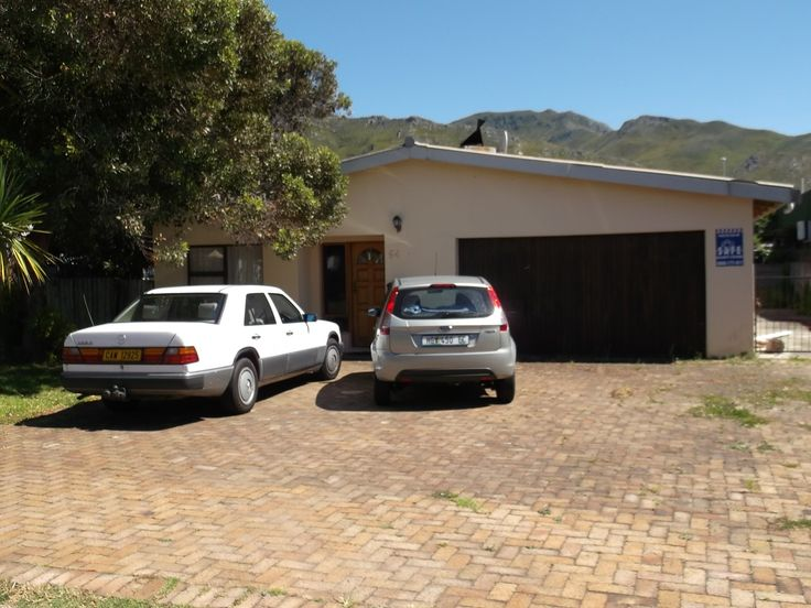 Lovely Family Holiday Home in #Kleinmond close to the sea #WhaleCoast #Overberg