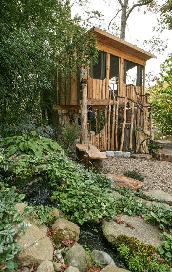 John the Botanist's Treehouse Retreat »