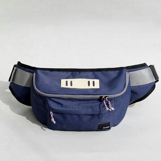 https://www.tokopedia.com/cherrybgallery/tuskbag-rave-navy