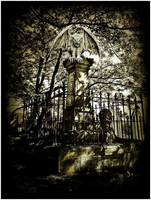 Amazing-Photos-of-Gargoyles-and-Grotesques-11