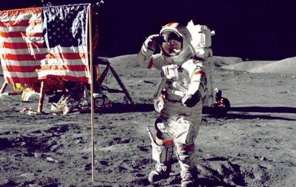 Último hombre en pisar la luna fallece a los 82 años de edad. Visite nuestra página y sea parte de nuestra conversación: http://www.namnewsnetwork.org/v3/spanish/index.php #nnn #bernama #malasia #malaysia #asia #america #eeuu #usa #nasa #moon #luna #space #espacio #news #noticias #astronauta #astronaut #us