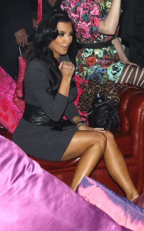 http://forum.purseblog.com/celebrity-news-and-gossip/the-kim-kardashian-thread-9-a-645979-156.html
