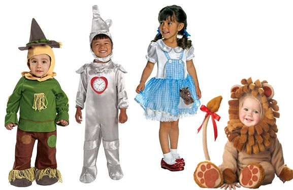 10 Halloween Costumes for Twins, Triplets and Siblings-Want your kids to have coordinating costumes on Halloween? Here are our top 10 Halloween costumes for siblings.