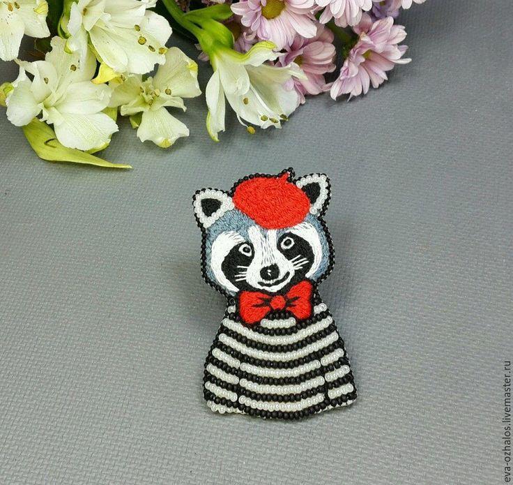 Купить Брошь Крошка-енот - чёрно-белый, красный, серый, белый, черный, енот