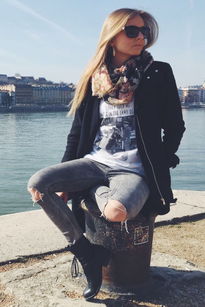 She is ABIDELESS and enjoying first spring sun in FREEDOM T-SHIRT ✖️highly anticipated women's collection will be available soon, for now keep shopping MEN's collection at ABIDELESS.com #IamABIDELESS #streetstyle #budapest #travel #city #wintage #streetwear #women #clothes #style #dope