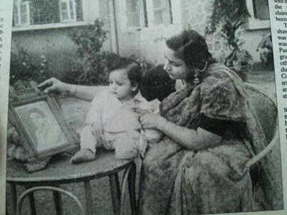 A very old pic - SRK with his mother
