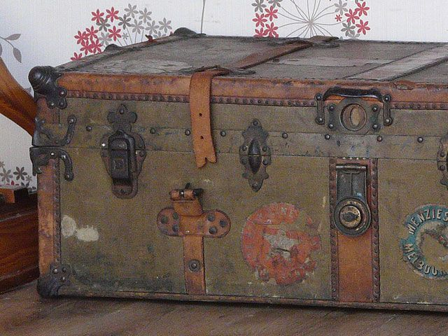 112 best   vintage suitcases | by Scaramanga images on Pinterest ...
