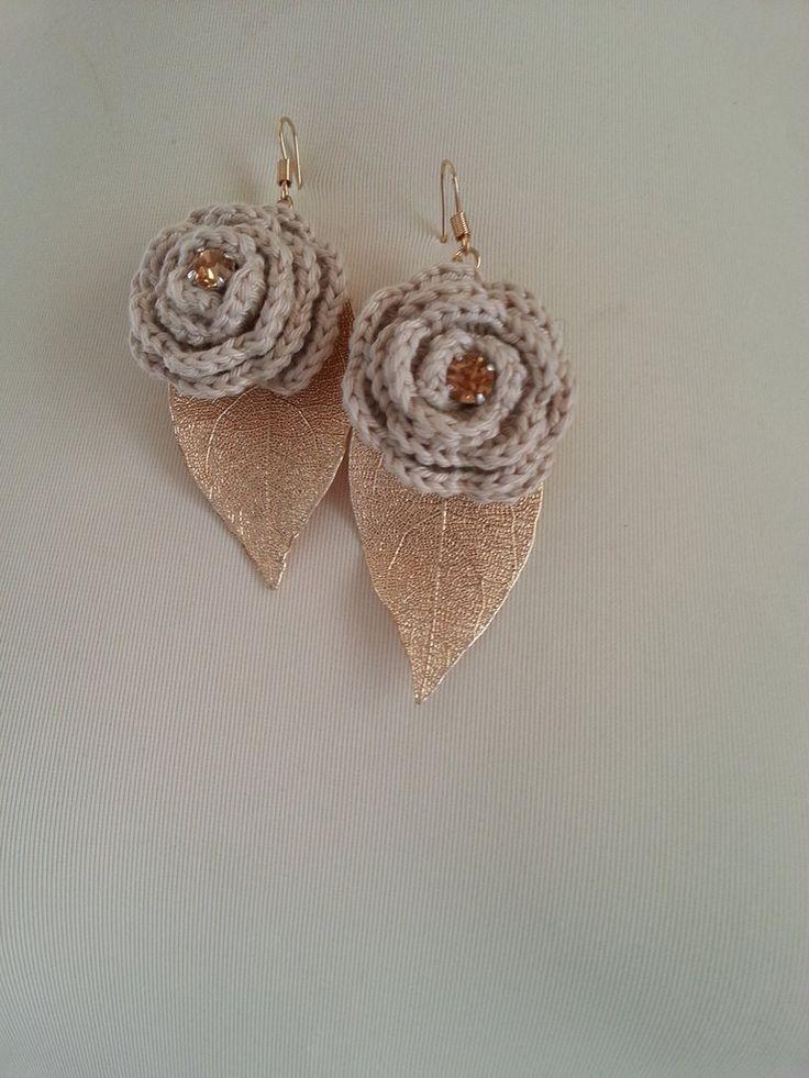 orecchini con foglia oro e rosa, by les petit diamant noir, 20,00 € su misshobby.com
