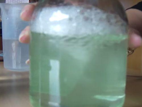Hoe maak je een Storm in een glas water? (Filmpje)