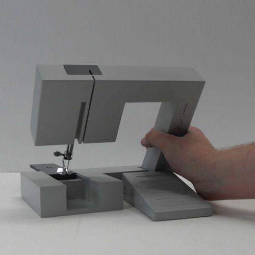 Foldable sewing machine