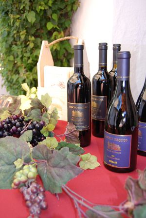 Photo courtesy Santa Barbara Wine + Food Festival. The annual Santa Barbara Museum of Natural History fundraising event is coming up on June 24. http://sbseasons.com/2017/06/cocktail-corner-santa-barbara-wine-food-festival/ #sbseasons #sb #santabarbara #SBSeasonsMagazine #SBNature #SBFoodandWineFestival #SBWine #SBFood #SBnonprofits  To subscribe visit sbseasons.com/subscribe.html