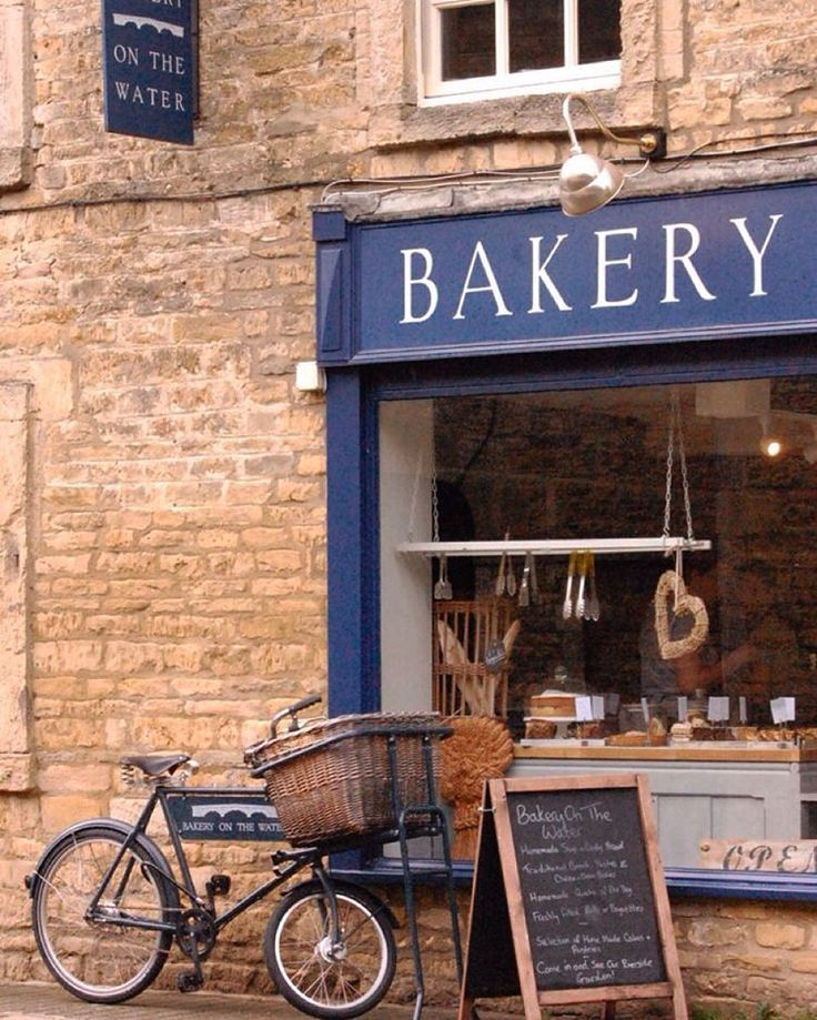 Passed through Bourton on the Water today for Mr VC to collect a shelf. Couldn't resist stopping to buy a loaf here. Must go back on a brighter day.