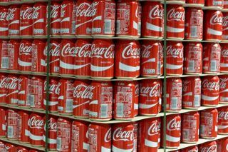 'Human Waste' Found In Coke Cans, Massive Investigation Launched - http://viralfeels.com/human-waste-found-in-coke-cans-massive-investigation-launched/