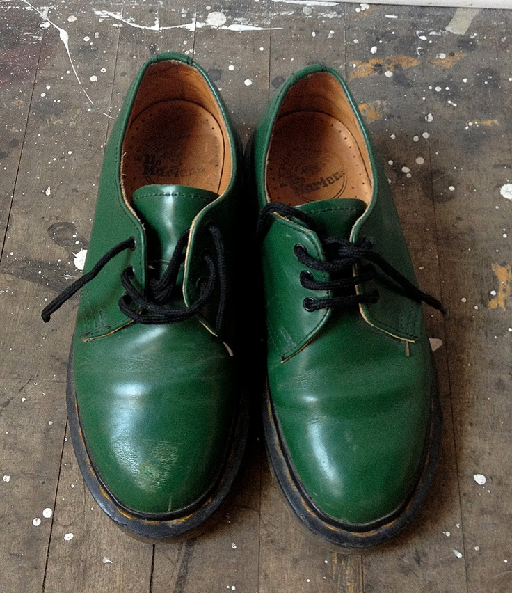 vintage green doc marten shoes. $35.00, via Etsy.              MY OLD SHOES!!!!!!!