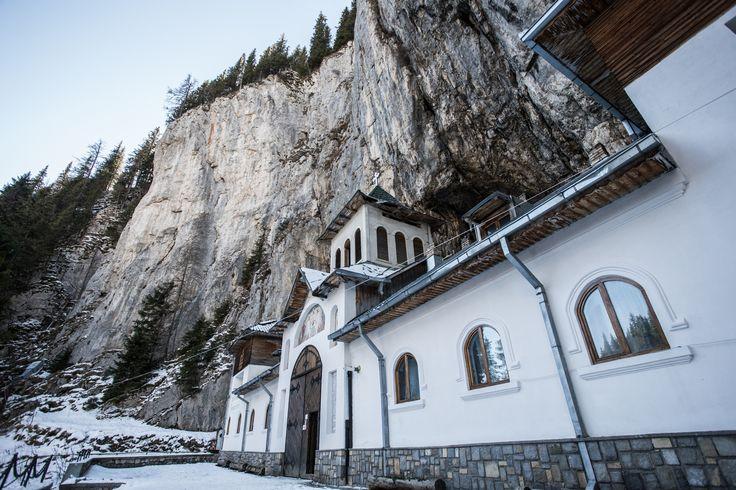 Parcul Natural Bucegi - Manastirea Pestera Ialomcioarei - very old monestary