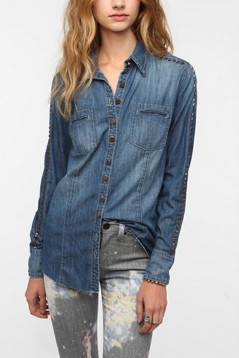 BLANKNYC Studded Sleeve Chambray Shirt - Rinsed Denim: Urban Outfitters, Blanknyc Studs, Shirts Urbanoutfitt, Chambray Shirts, Gray Jeans, Denim Shirts, Studs Sleeve, Sleeve Chambray, Perfect Jeans