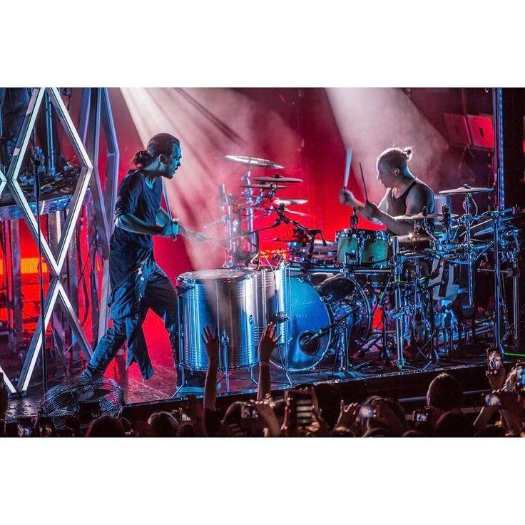 SOURCE: Tokio Hotel Instagram Dream Machine World Tour 2017: LONDON | BRUSSELS | HAMBURG| FRANKFURT | NIJMEGEN | AMSTERDAM | PARIS | LYON | COLOGNE | STUTTGART | ZURICH | MILAN |