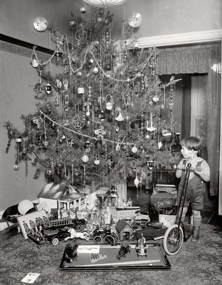 46 best Vintage Christmas Photographs images on Pinterest ...
