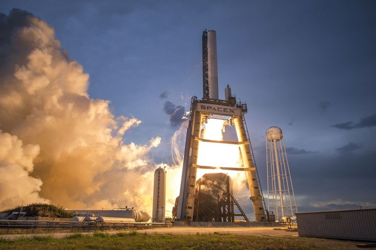 Photo of Gray and White Spacex Space Shuttle  Free Stock Photo