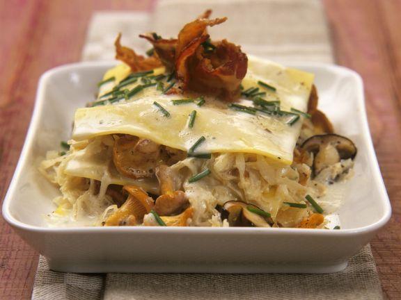Pilz-Sauerkraut-Lasagne ist ein Rezept mit frischen Zutaten aus der Kategorie Gemüse. Probieren Sie dieses und weitere Rezepte von EAT SMARTER!