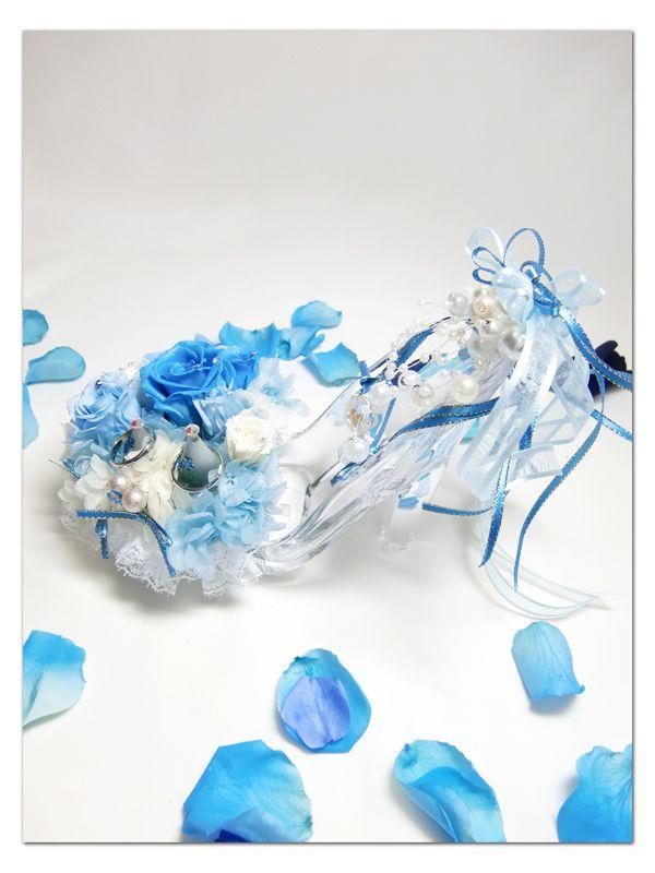 【プリザーブドフラワー/ガラスの靴リングピロー】優しいピンクの薔薇とリボンやビーズをガラスの靴にいっぱい飾って【プリザーブドフラワー/ガラスの靴リングピロー/サムシングブルー】水色と白い薔薇とリボンや