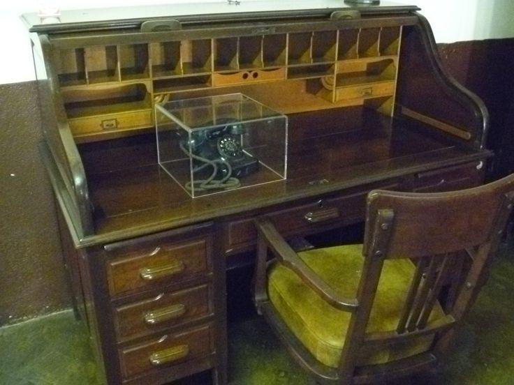 Escrivaninha usada por um dos pesquisadores do instituto na época de sua inauguração.