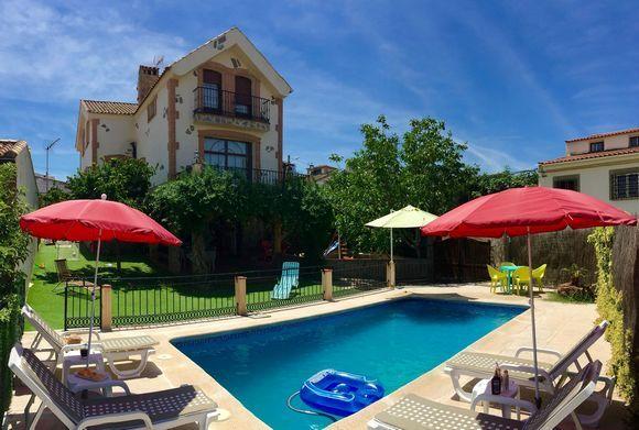 1000 ideias sobre cerca de piscina no pinterest for Casa rural para 15 personas con piscina