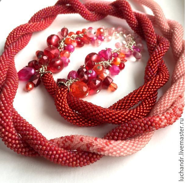 Купить Омбре - красно-розовый лариат с кистями гроздьями, деграде, градиент - красный, розовый, алый #лариат #омбре #деграде #red #lariat