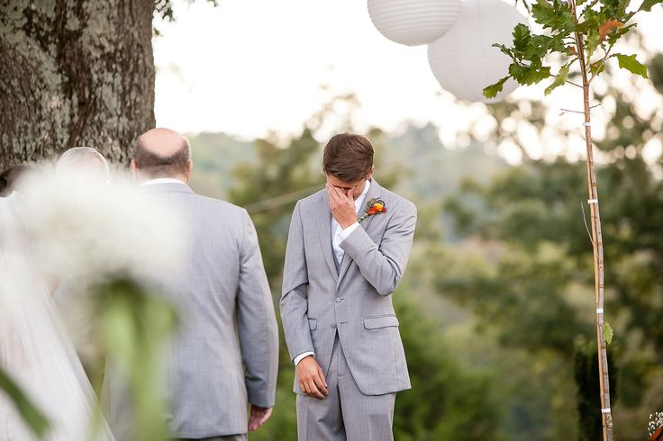 Grooms crying is just the sweetest.