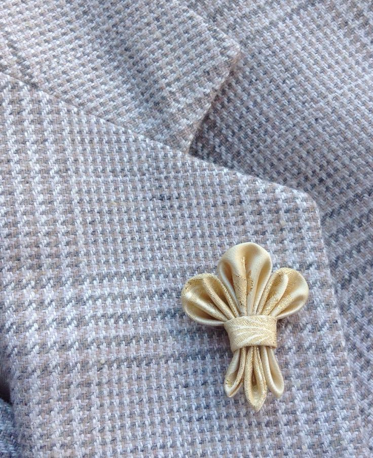 Mens Lapel Pin Flower Lapel Pin Fleur de Lis Custom Lapel Pin Silk Boutonniere Gold Lapel Kanzashi Brooch Groomsman Gift For Him Wedding Dad by exquisitelapel on Etsy https://www.etsy.com/listing/254346096/mens-lapel-pin-flower-lapel-pin-fleur-de