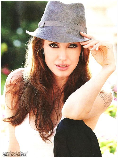 Angelina Jolie by CarolinaBarbosa