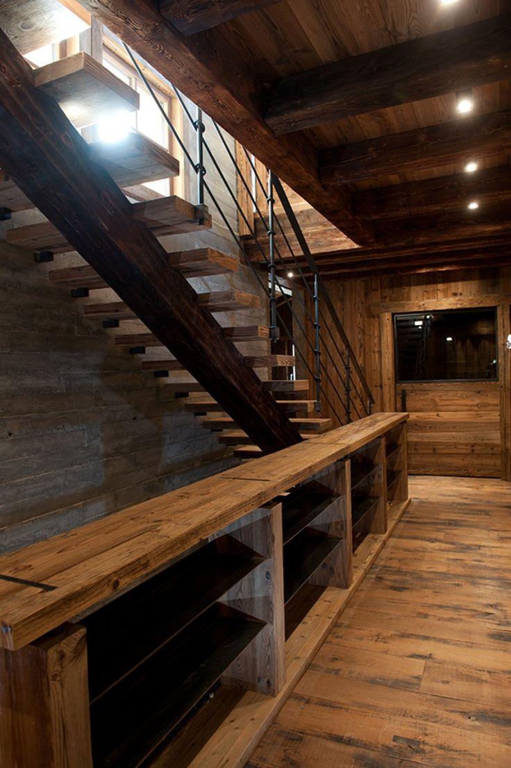 Escalier design chalet en Suisse - Chalets Bayrou