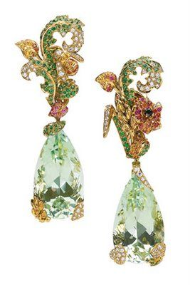 How fabulous is this Dior Fine Jewelry?  Oh gimme gimme gimme!