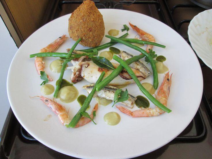 Pesce  grigliato  fagiolino crocchetta di  riso al pesce   salsa al finocchio / Gino D'Aquino