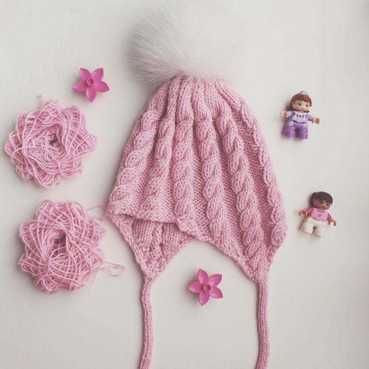 ~ P I N K~ Немного воздушного, мягкого, нежного и розового. Из шерсти с добавлением ангоры. Для любительниц и модниц розового. Люблю ли я розовый? Пожалуй да, но после появления на свет моей Софи, меньше #knitwear#knit#knitting#instababy#knitwear#instagram#instaknit#i_loveknitting#yarn#wool#помпон#вязание#вязаниеназаказ#вязаниеспицами#ялюблювязать#вяжутнетолькобабушки#juliagoffman#handknit#handmade#knitstagram
