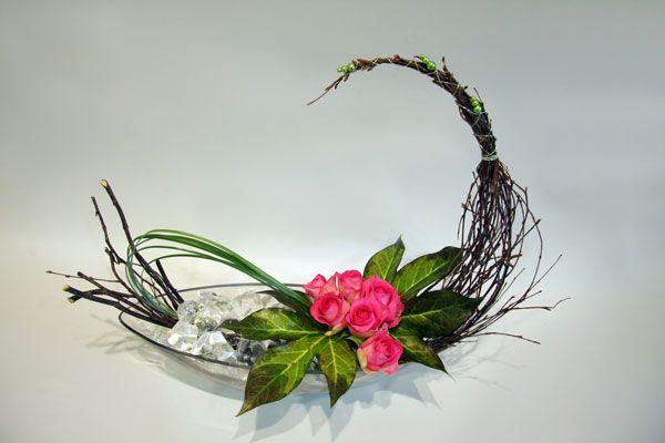 17 best images about crescent shaped flower arrangements for Fresh design