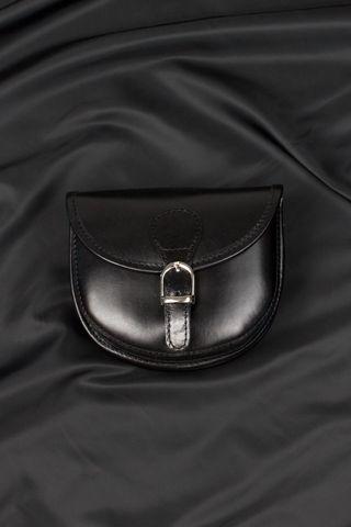 Borsa in vera pelle modello postino, disponibile anche in rosso, cuoio e blu navy.Made in Italy. http://www.brendatelier.it/prodotto.asp?st=primavera_estate_2015&tag=borsa_pelle_postino_piccola__Y-166&col=nero&lang=it
