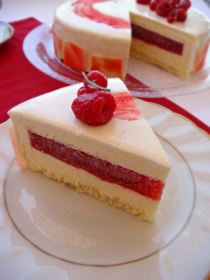 Tempo fa avevo pubblicato questa torta , ma non ero rimasta soddisfatta soprattutto sul lato estetico, il sapore c'era ma avevo usato u...