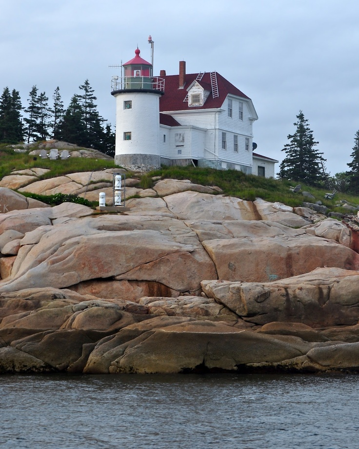 Heron Neck Light Penobscot Bay Green's Island in Vinalhaven Maine US 44.025111, -68.862167