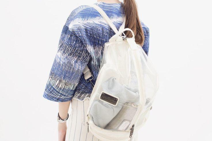 Укороченный свитшот Kenzo,   рюкзак adidas by Stella McCartney,  кошелёк Marc by Marc Jacobs